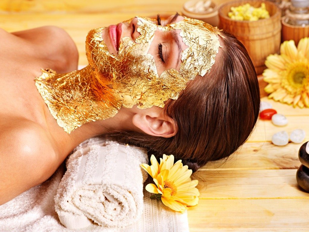 Gold as facial mark used in detoxifying the skin